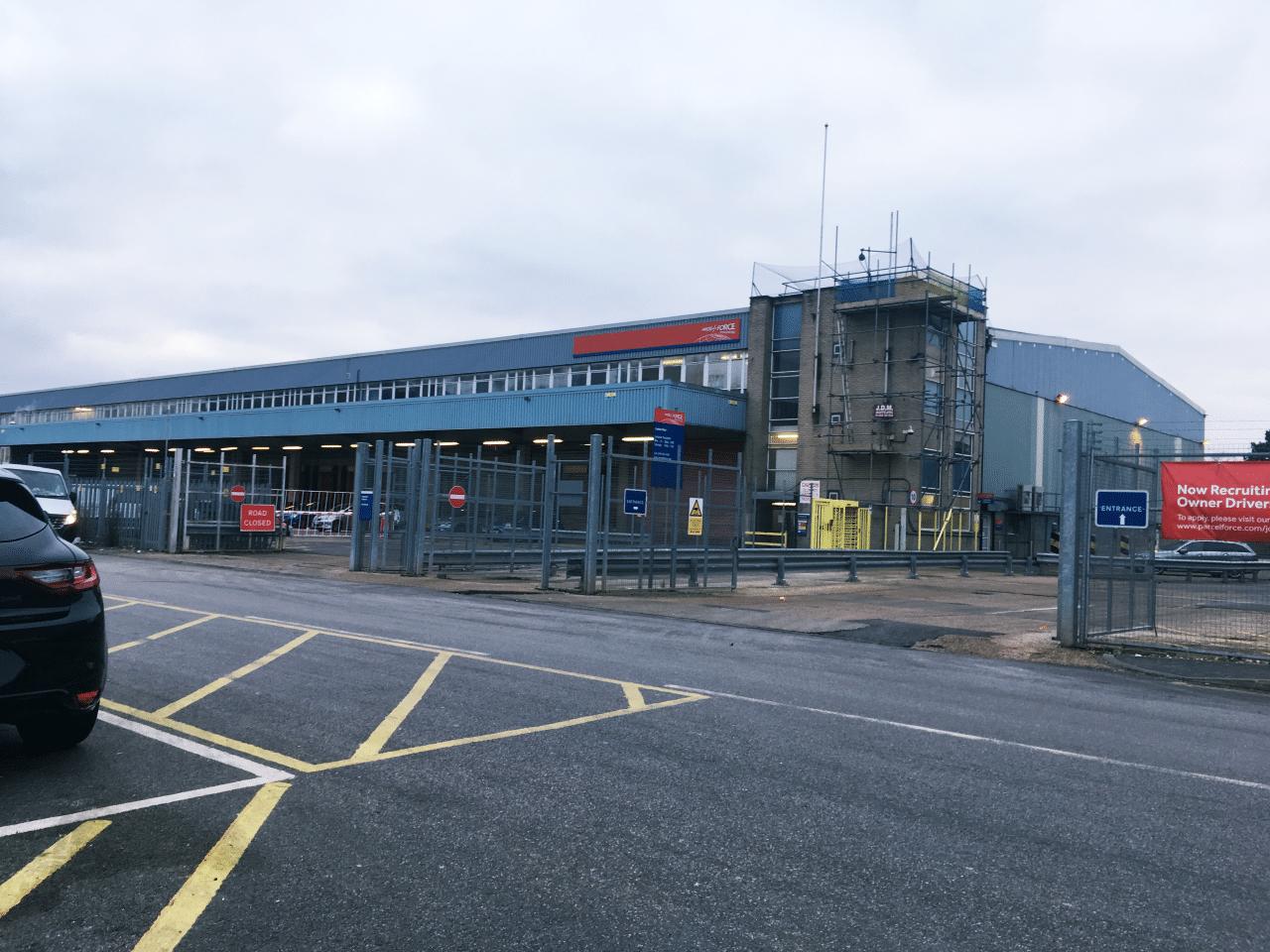 minimal traveler, uk, ems, parcel force, post office025