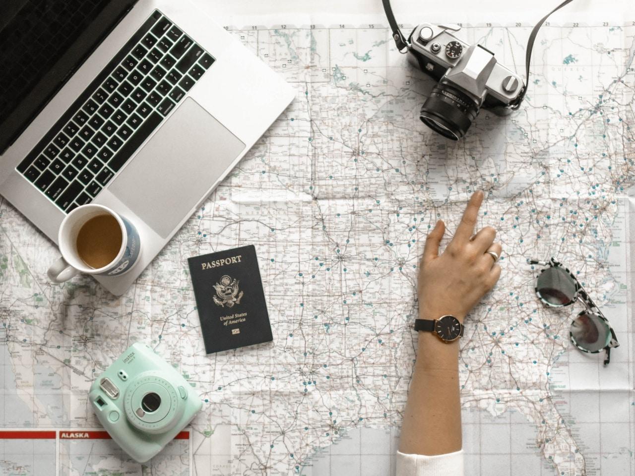 minimal traveler, eyecatch, passport, document
