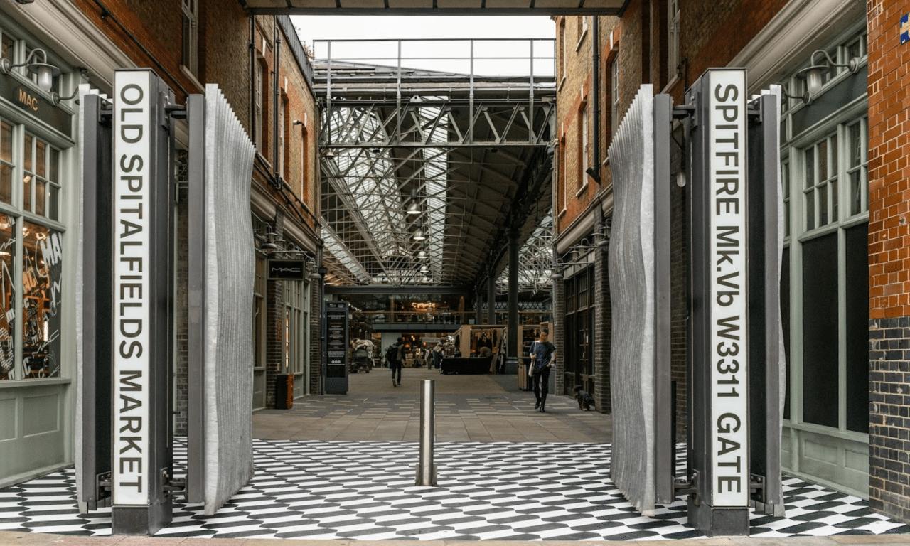 minimal traveler, london street market, Old Spitalfields Market