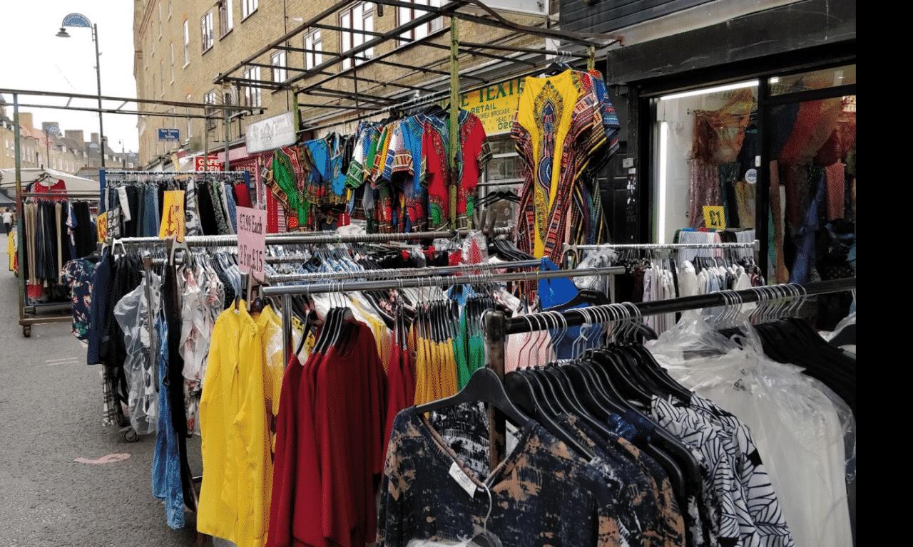 minimal traveler, london street market, Petticoat Lane market