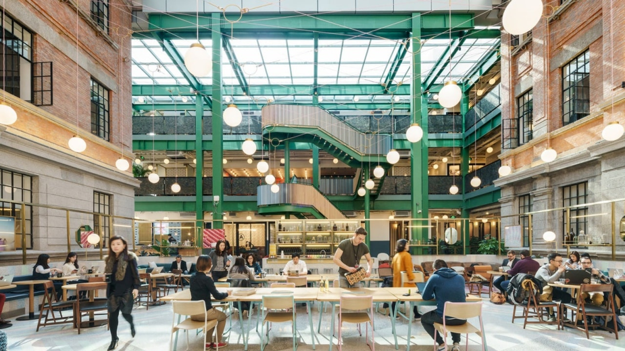 minimal traveler, london, coworking space, wework