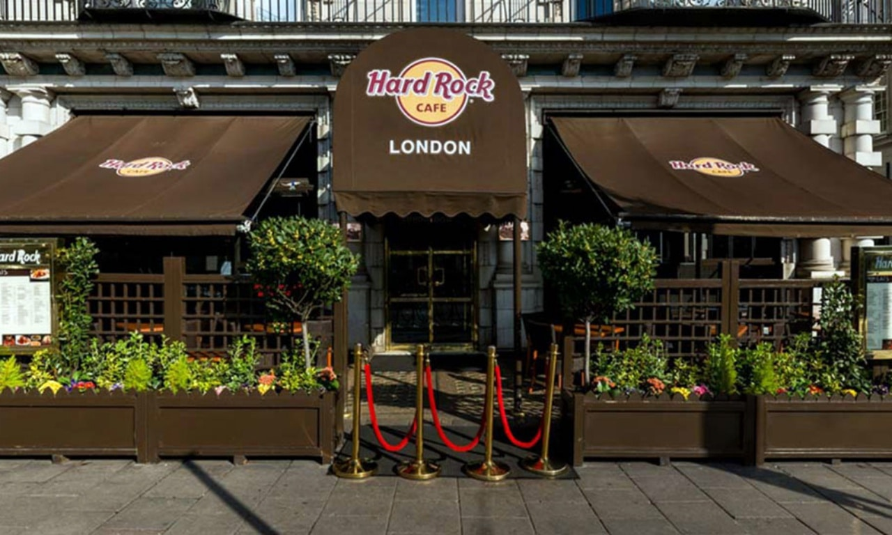 minimal traveler, london, paddington, sightseeing, Hard Rock Cafe