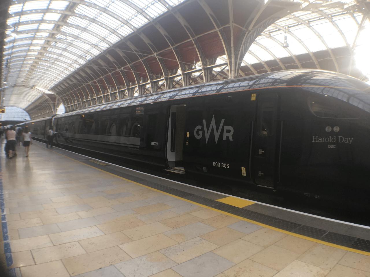 minimal traveler, uk, london paddington003