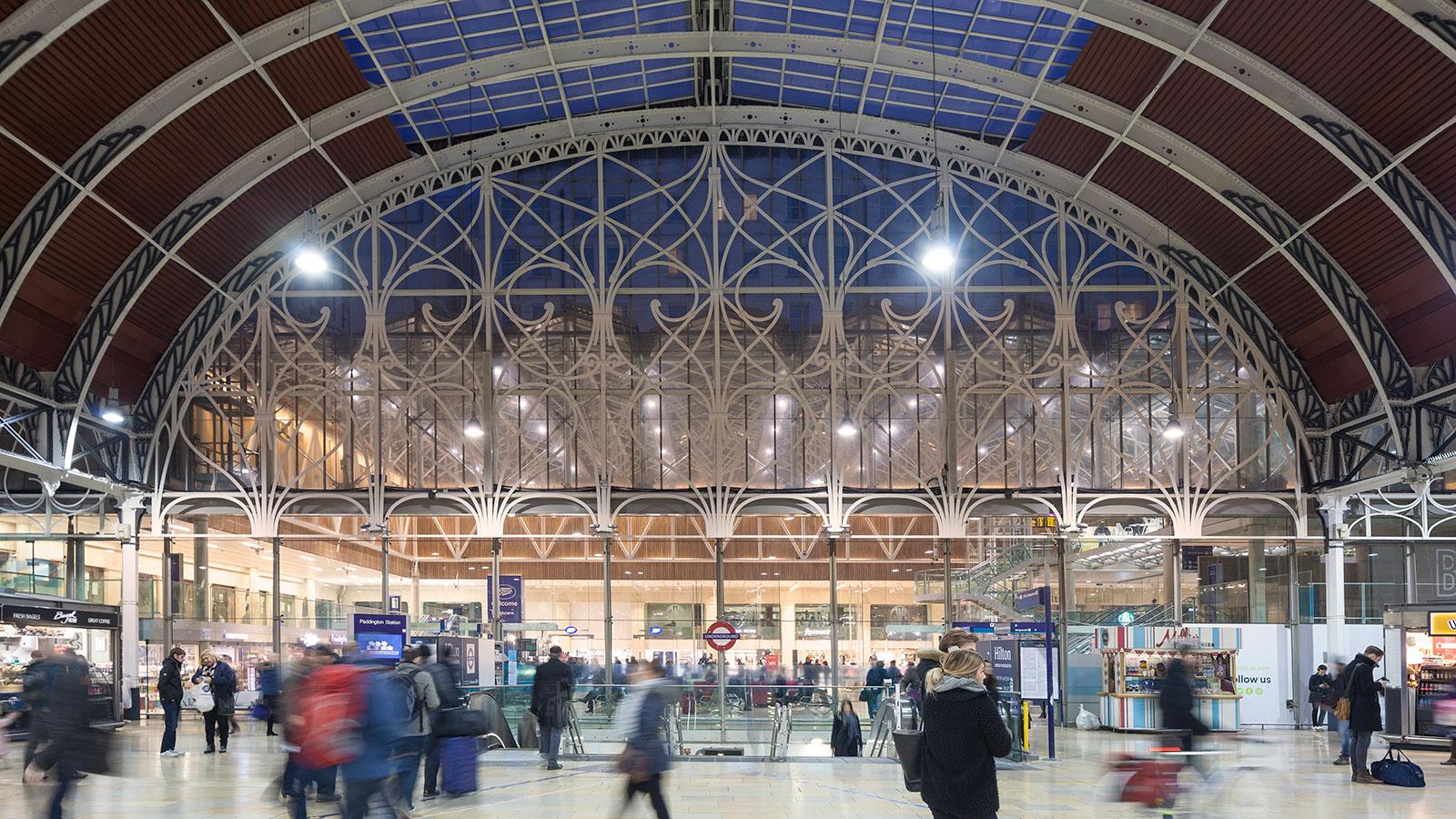 minimal traveler, uk, london paddington008