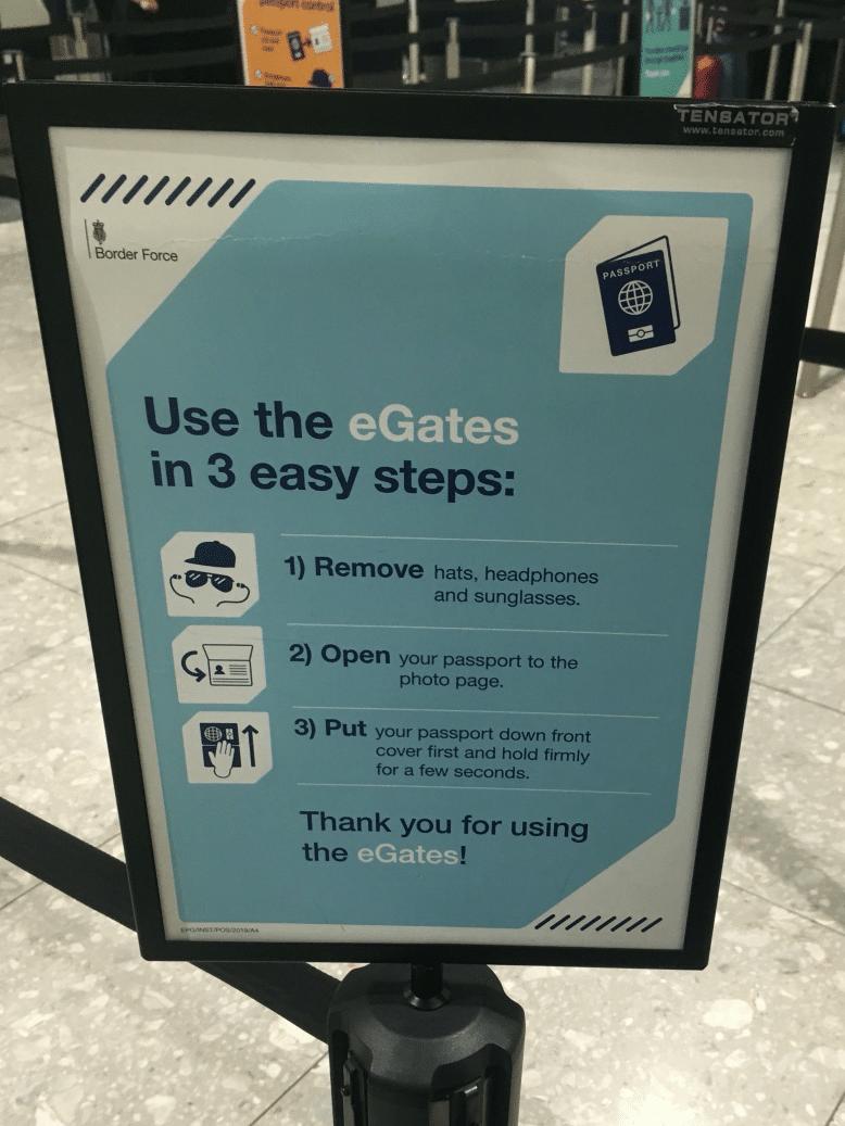 minimal traveler, uk airport egate002